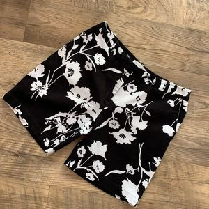 Talbots Black/White Floral Shorts Sz 4